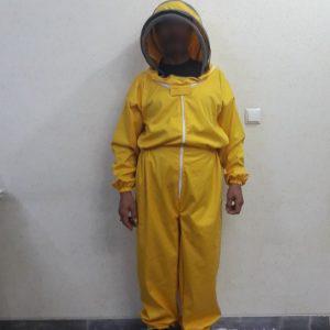 سرهمی زنبور داری با کلاه فضایی